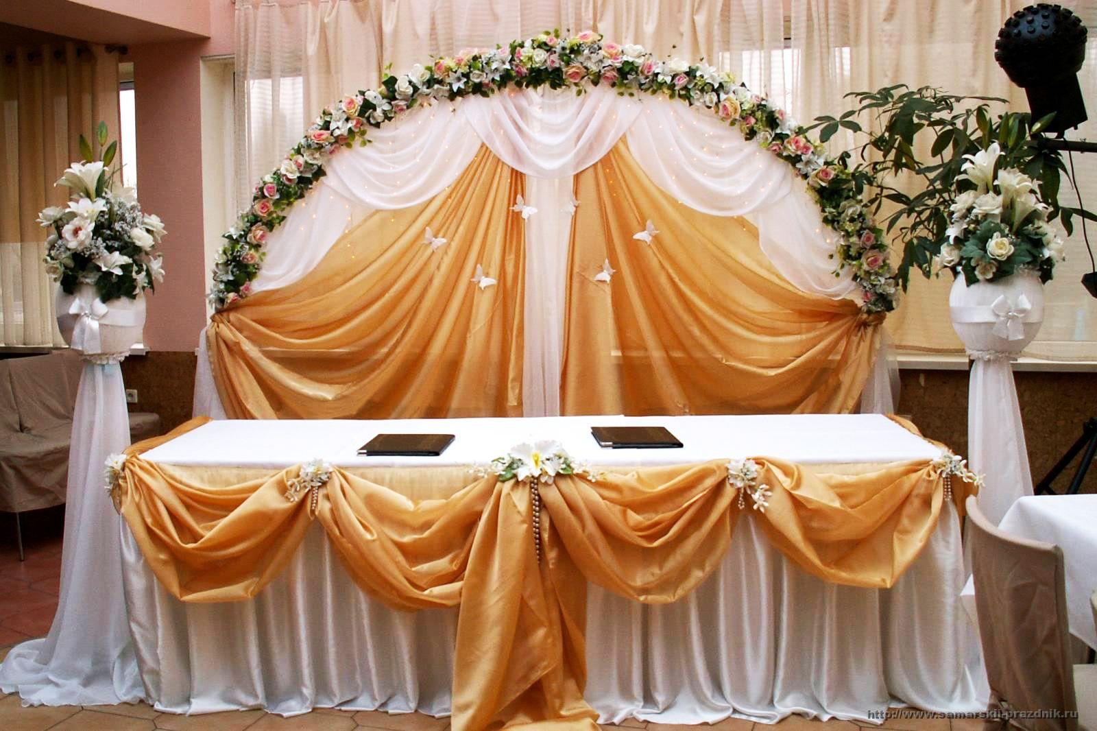 Свадебное украшение зала тканью своими руками6