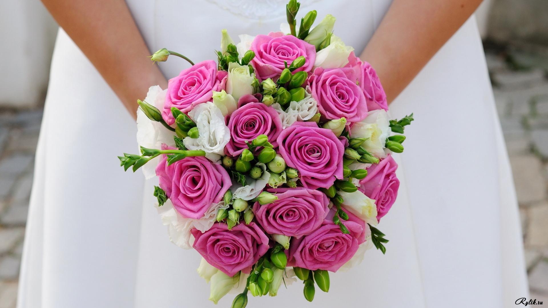 Букеты цветов невесты